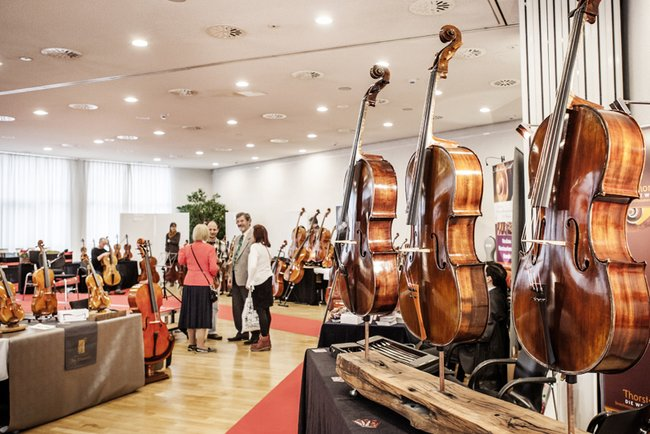 Violin makers' exhibition (picture from Kronberg Academy Festival 2017) / Photo: Dan Hannen
